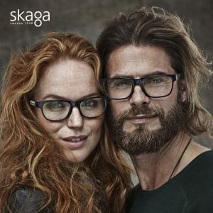A couple wearing skaga glasses