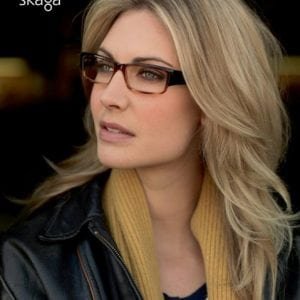 A woman wearing skaga glasses