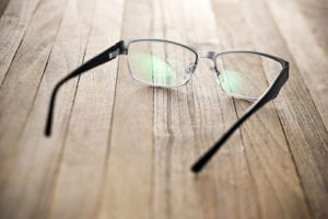 The difference between progressive and bifocal lenses